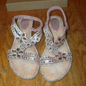 NEW Womens Size 40 (8.5) Faux Jewel Floral Sandals